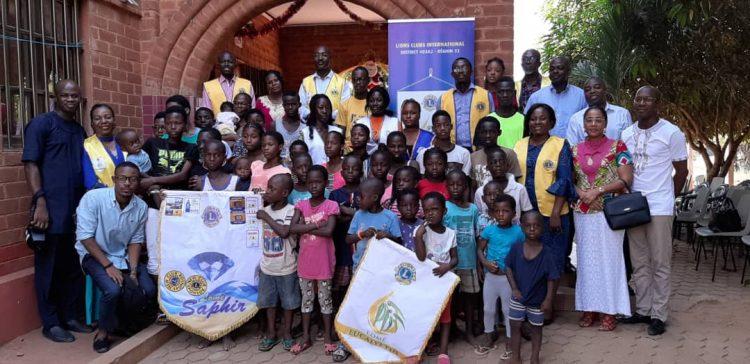 Lutte contre la cécité: AAS et les Lions Clubs offrent des dépistages de troubles visuels aux orphelins à Lomé