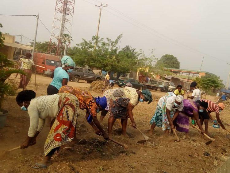 Opération samedi propre : le long du contournement et les alentours du terrain de Togo 2000 nettoyés