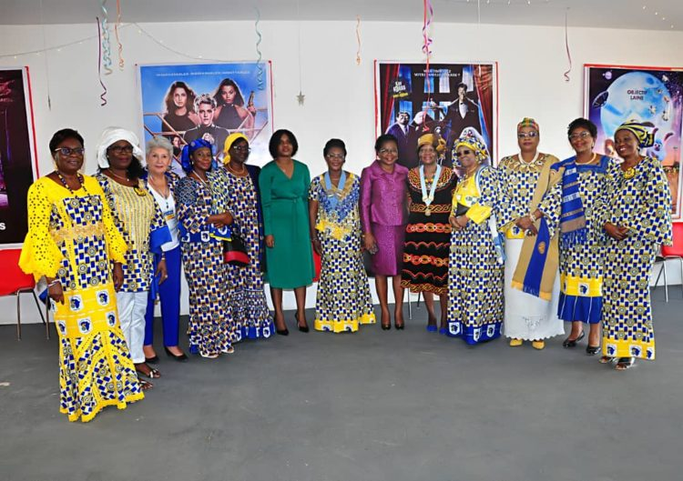 Les membres du District 909 de l'International Inner Wheel en concertation à Lomé
